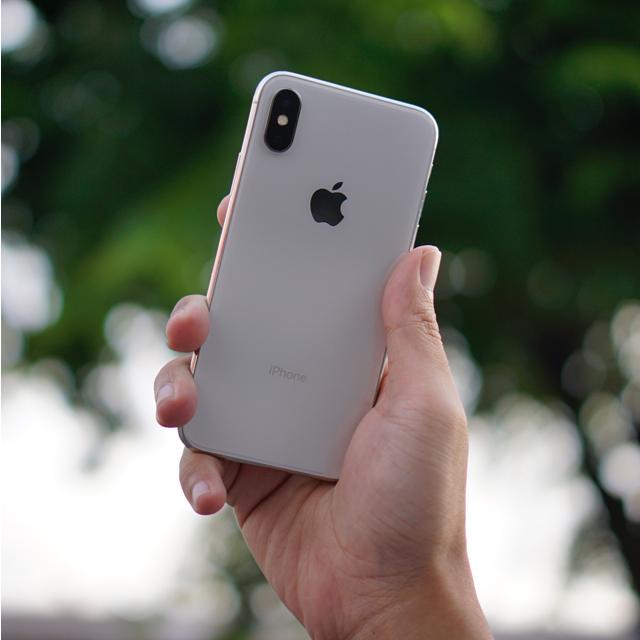 iPhone用スマホケースのカメラ部分の変更について